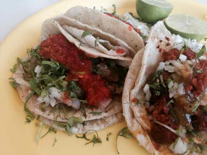 Tacos de Arrachera y Chorizo