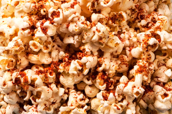 Popcorn Spiced with Chili and Avocado Oil