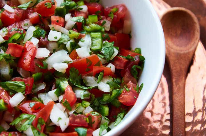 Mexikói paradicsom salsa - pico de gallo - feketebaranypanzio.hu