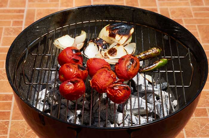 Grilling Tomatoes, Onions and Chiles