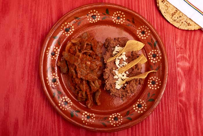 Bistec a la Mexicana with Refried Beans