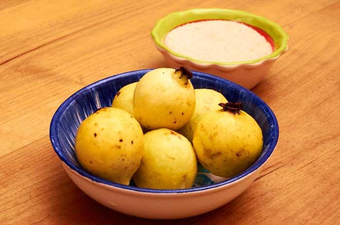 Guavas - Guayabas