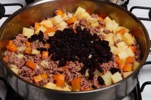 Raisins Carrots Potatoes, Ground Beef