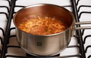 Simmering Salsa Roja