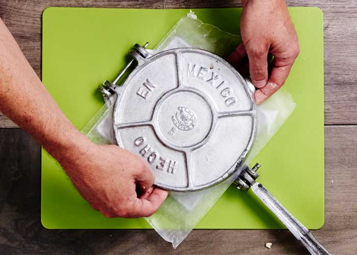 How to Use a Tortilla Press 3