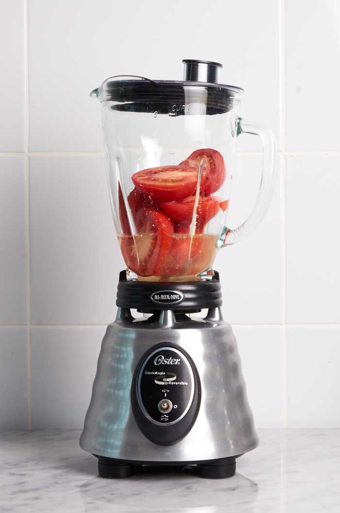 Tomatoes in Blender