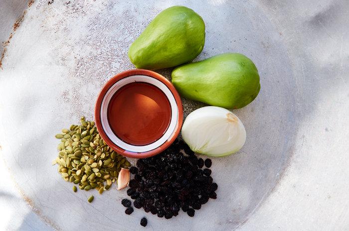 Ingredients to Prepare Stewed Chayote Dish