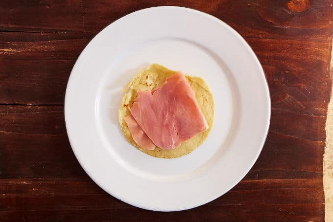 Fried Tortilla with Ham for Enfrijoladas
