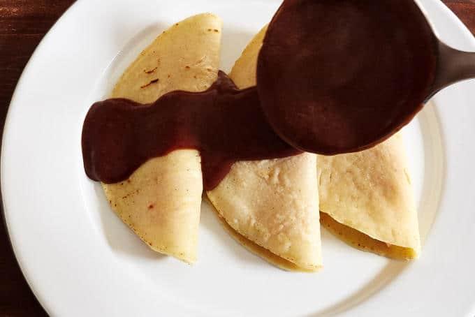 Saucing Enfrijoladas