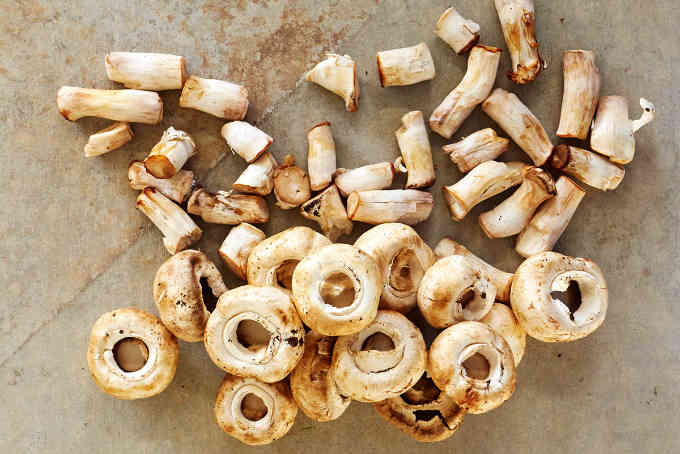 Button Mushrooms Stems Removed