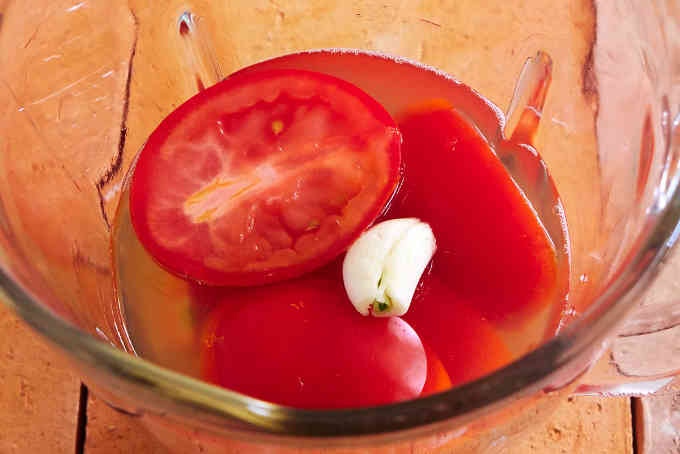 Tomatoes and Garlic in Blender
