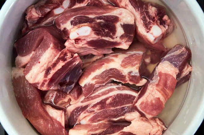 Boiling Pork Ribs