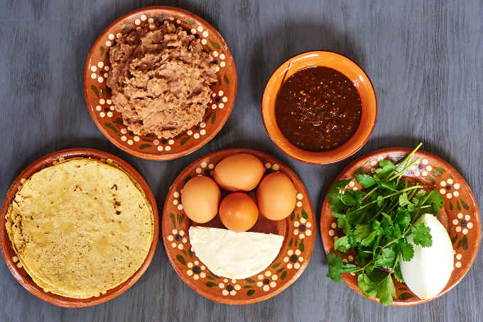 Ingredients for Migas Norteñas