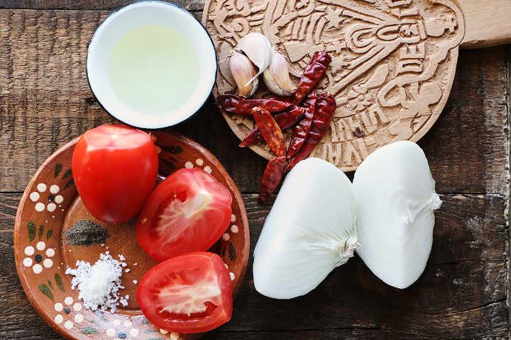 Ingredients to Make Salsa Taquera