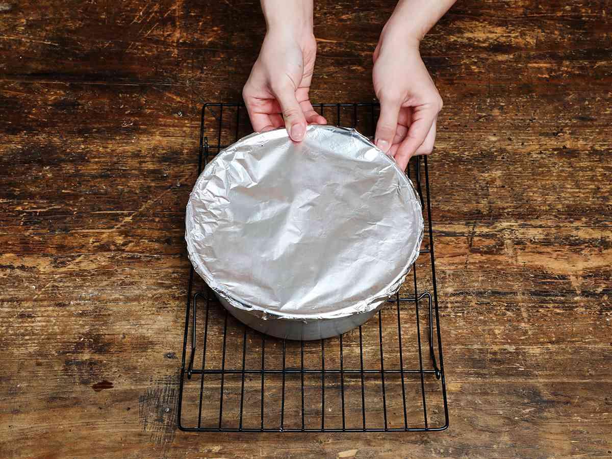 Crimping Foil Edges on Pan