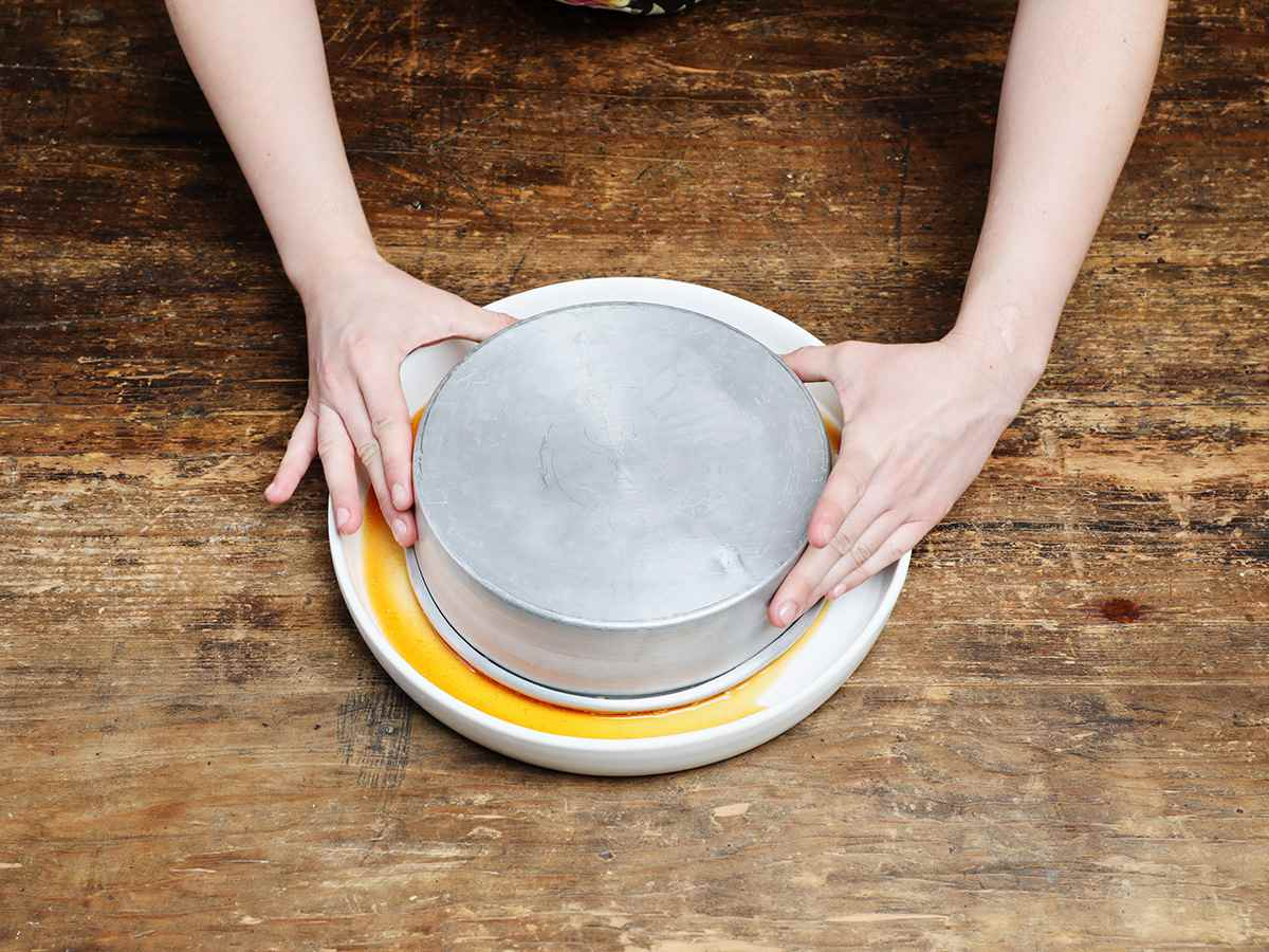Inverting Flan onto Serving Dish