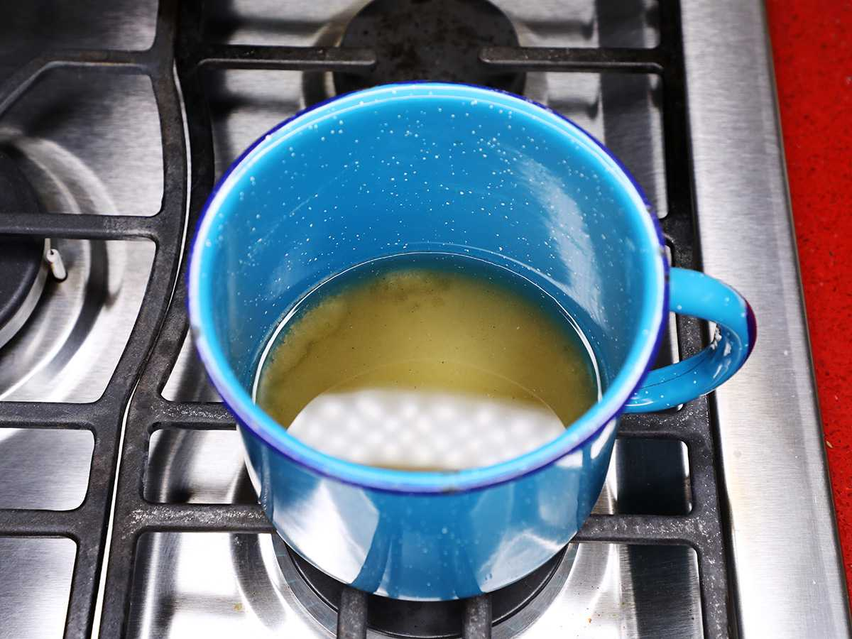 Simple Syrup on Stove