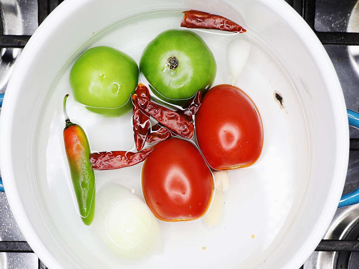 Boiling Vegetables for Salsa Roja