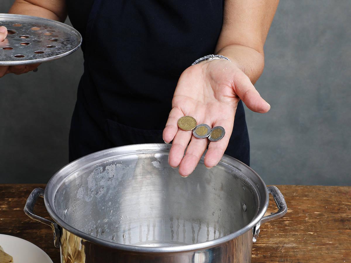Coins Steamer Pot