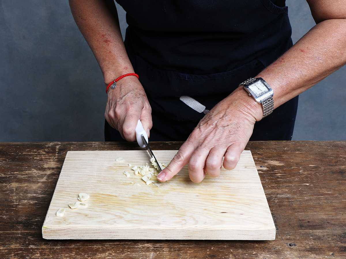 Dicing Garlic