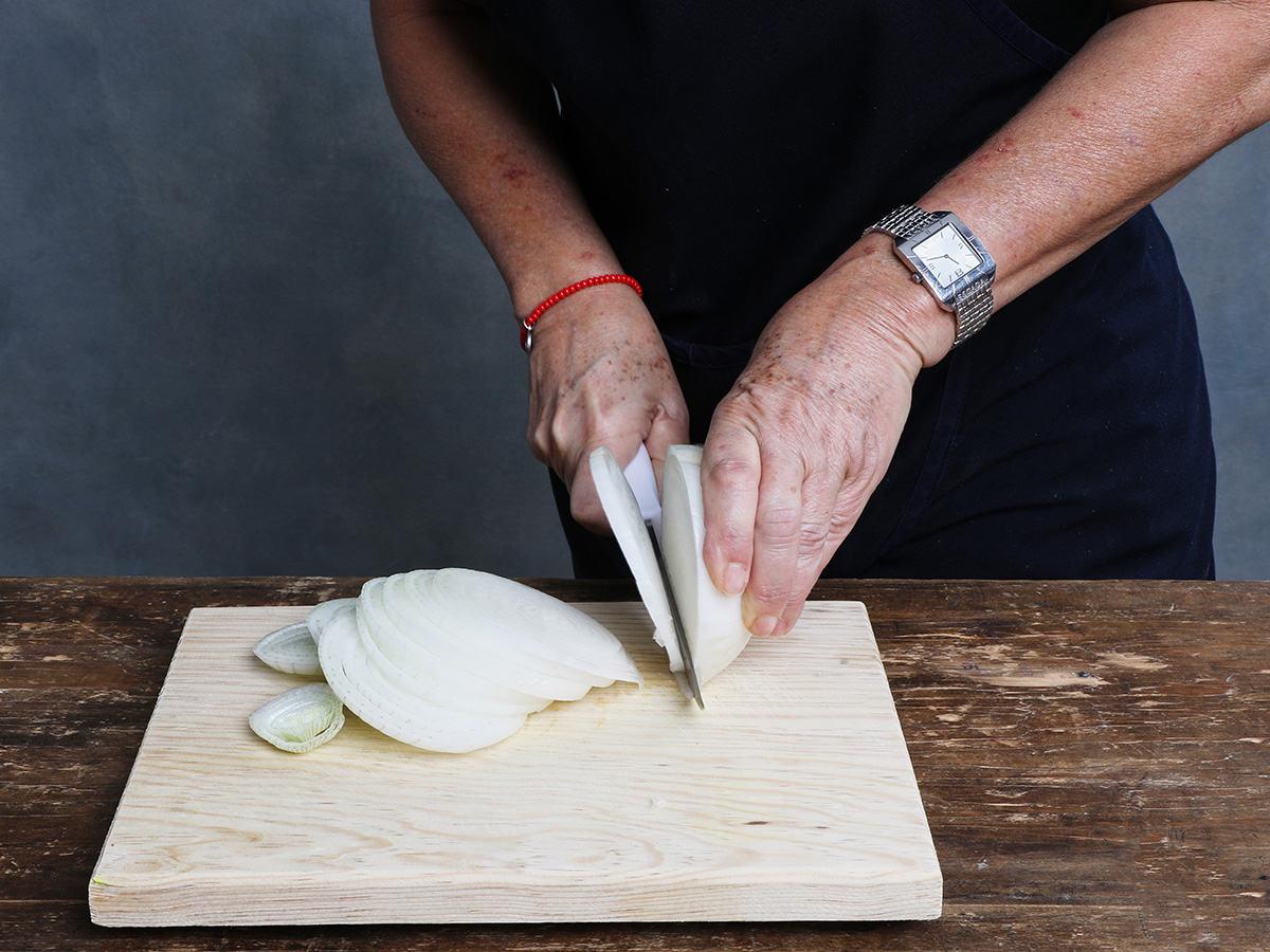 Slicing White Onion